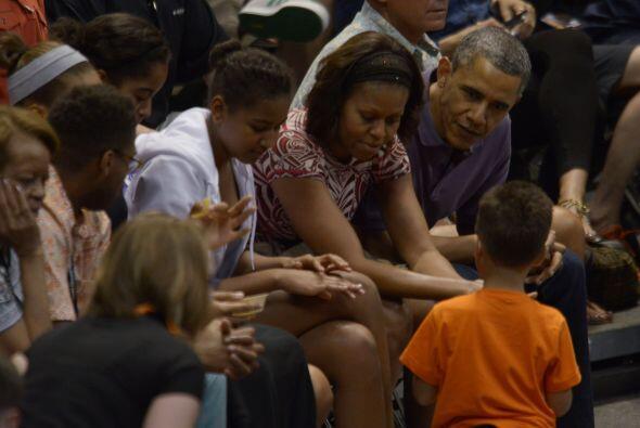 La familia Obama robó la atención de los espectadores durante el evento.