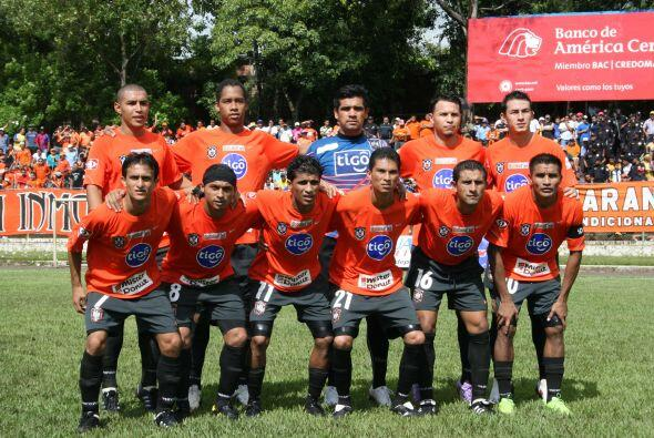 El once titular: Isaac Zelaya, Shawn Martins, Miguel Montes, William Cab...