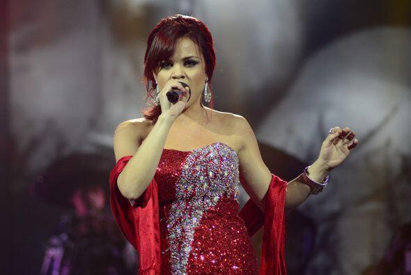Ana Cristina otra vez cantó ranchero.