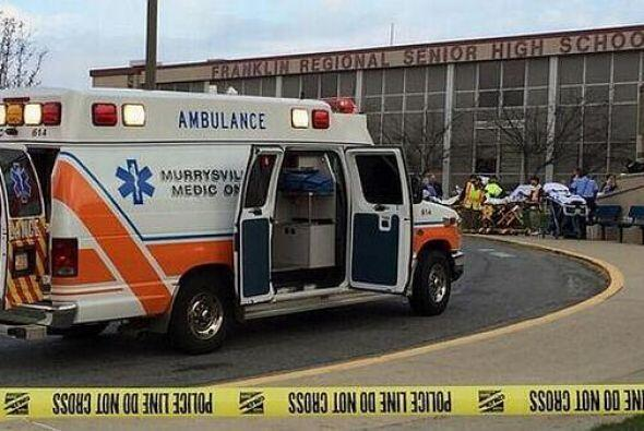 Todos fueron llevados a los hospitales más cercanos. Foto tomada de Twit...