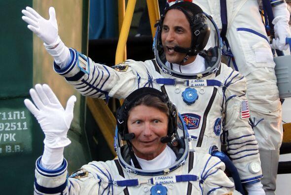 Acabá, el veterano cosmonauta ruso Gennady Padalka, en esta foto, y el c...