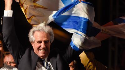 Tabaré Vázquez gana la presidencia de Uruguay