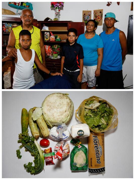 Jhonny Méndez muestra la despensa de su casa en Caracas y los pocos alim...