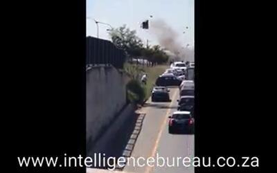 En Video: Asalto a camión blindado de película en Sudáfrica
