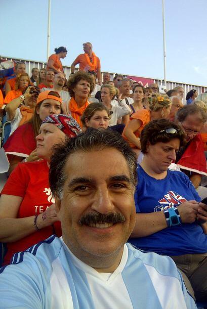 Noche de Hockey femenino, final por el Oro, rodeado de holandeses pero a...