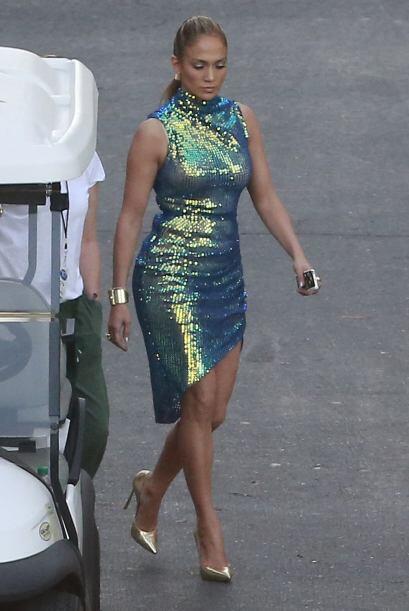 ¡Brillo, brillo y más brillo! Jennifer López no se cansa de ser el centr...