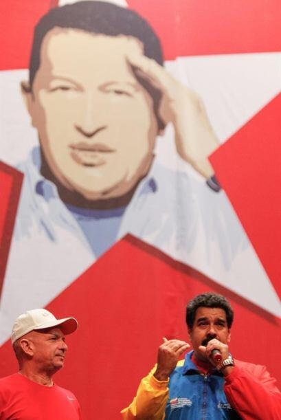 Ahí lo esperaban Maduro y la élite del Partido Socialista Unido de Venez...
