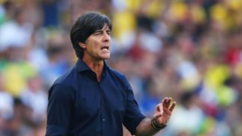 Joachim Low durante el juego contra Francia en los cuartos de final de B...