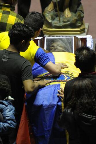 """Christian """"Chucho' Benítez será enterrado hoy en Quito lugeo de una misa..."""