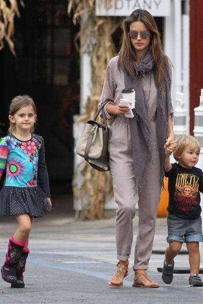 Ya antes habíamos visto a Corine, la niña mayor de Alessandra, pero este...