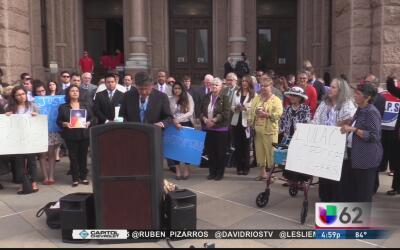 Latinos y afroamericanos forman una coalición en Austin y prometen prote...