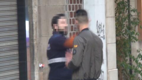En video: un youtuber se hace viral por recibir una bofetada mientras ga...