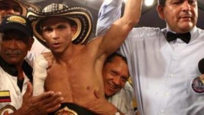 Darleys Pérez retuvo título interino ligero ante Jonathan Maicelo (Foto:...