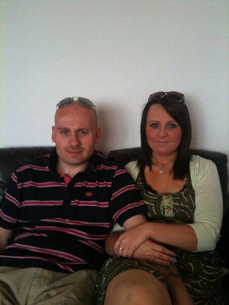 Carmelle de 32 años y su esposo Steve Hartgrove de 36 fueron las...