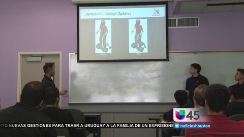 Alumnos de la Universidad de Houston buscan ayudar a personas discapacit...