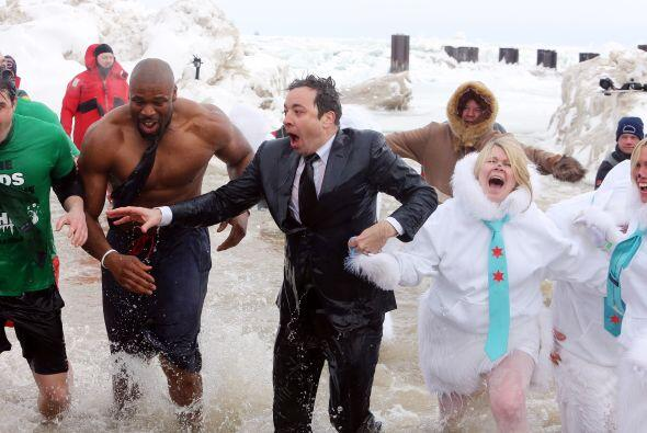 ¡Lo hizo!Mira lo congelado que quedó el comediante Jimmy Fallon luego de...