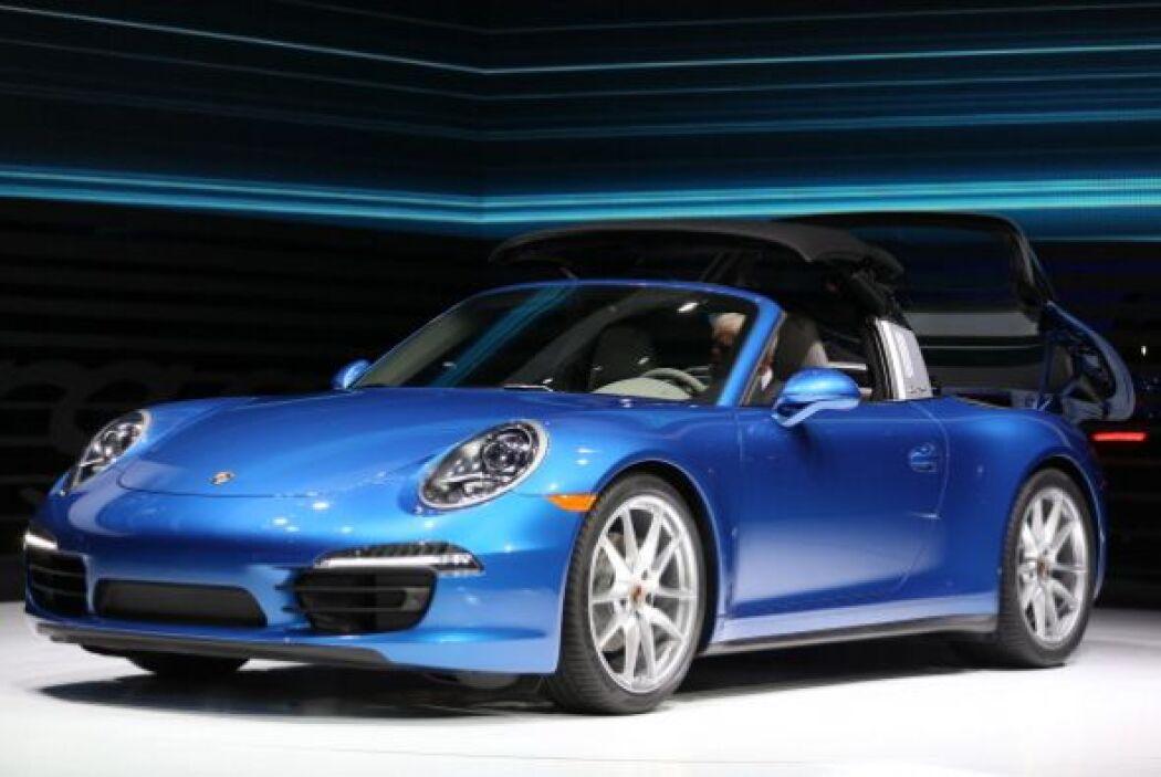 Porsche volvió a impresionar con el despliegue de tecnología del nuevo 9...