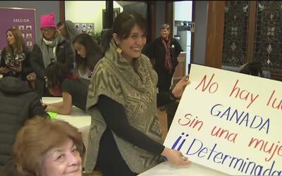 Mujeres de Chicago se preparan para marchar en Washington contra Trump t...