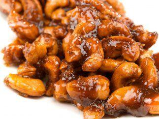 Nueces caramelizadas con miel y chile piquín: Prepara una botana súper s...