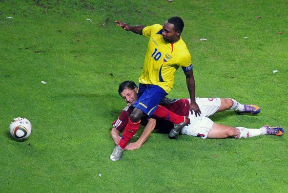 Por su parte la selección ecuatoriana no estuvo muy acertada y de...