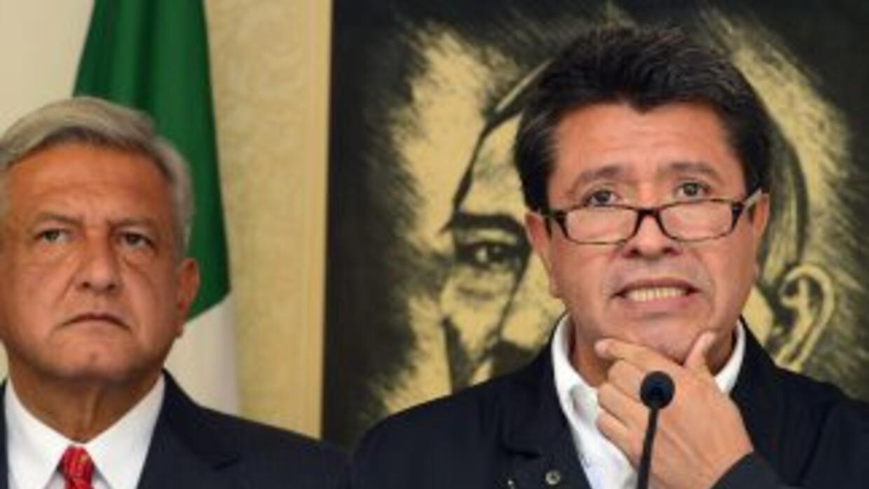 Ricardo Monreal, acompañado por Andrés Manuel López Obrador. (Imagen de...
