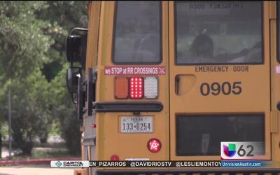 Padres de familia entablan una demanda contra el Distrito Escolar de Austin