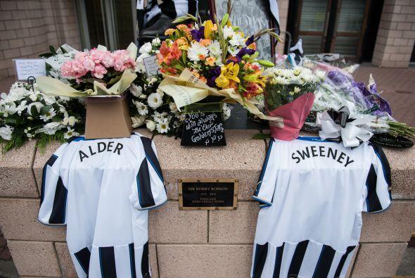 John Alder y Liam Sweeney, eran dos aficionados del club inglés N...