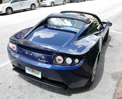 Tesla RoadsterResalta por su diseño deportivo acompañado d...