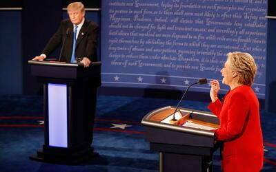 Trump no perdió la paciencia y Clinton se mantuvo ecuánime, dicen expertos