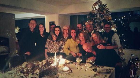 """""""Nuestra cena navideña"""", compartió Jan. (Diciembre 7, 2013)"""