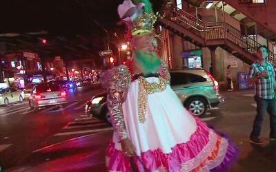 """A él le dicen """"la mamá de Lady Gaga"""" y vive en Roosvelt Avenue"""