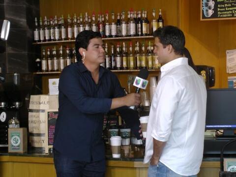 Orlando Segura aprovechó su visita a la cafetería de 'Volt...