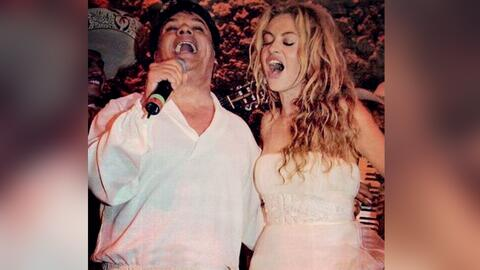 Paulina Rubio y muchos famosos más reaccionaron ante la muerte de Juan G...