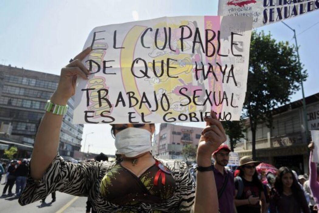 Sindicatos y grupos de la izquierda mexicana enarbolaron sus demandas en...