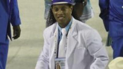 Ronaldinho causó revuelo en redes sociales con su polémica foto.