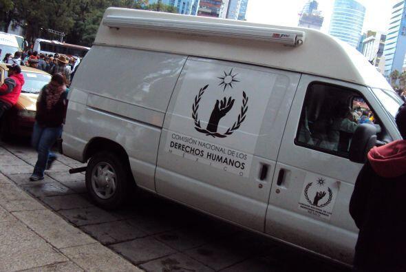 En el punto hubo al menos dos vehículos de la Comisión de Derechos Human...