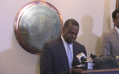 Kasim Reed anuncia que transferirá propiedad al distrito escolar de Atlanta