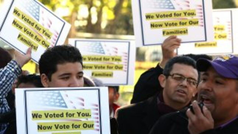 Tras las elecciones del 6 de noviembre, inmigrantes de origen latino sal...