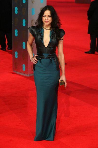 ¡La actriz latina Michelle Rodríguez nos sorprendió en esta 'red carpet'...