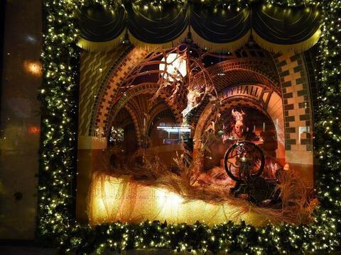 Las vitrinas navideñas de Saks FithAvenue están listas para ser admirada...