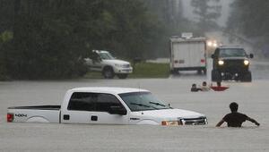 Alarmantes inundaciones arrasan con todo al sur de Texas