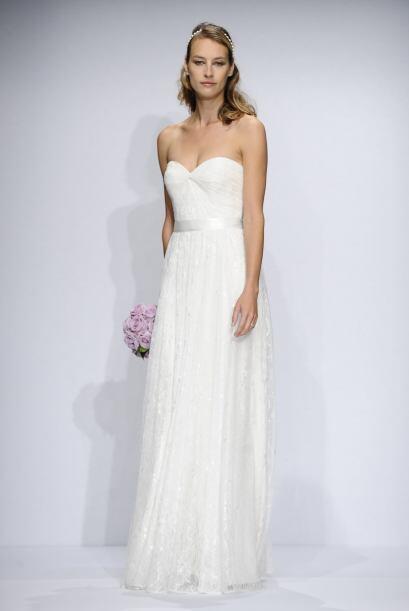Si tu idea de boda va muy ligada a un sueño infantil, un vestido de cort...