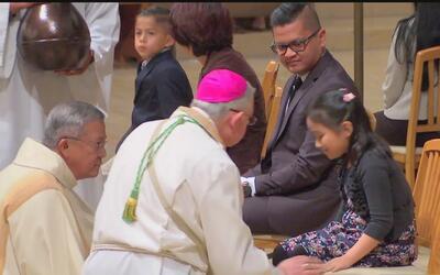 Inmigrantes se apoyan en celebraciones de Semana Santa para dejar de lad...
