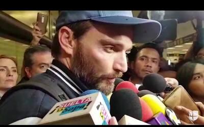 En video: Julián Gil llegó a México para ver a su hijo por primera vez d...