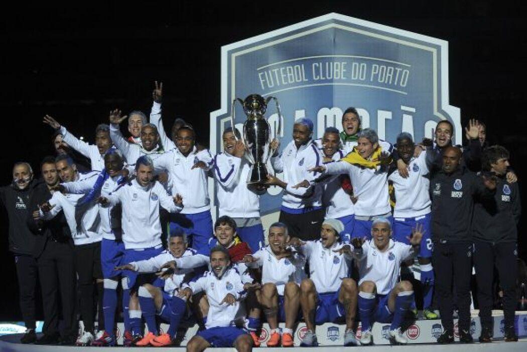 Portugal fue otro país con bicampeón, en este caso el Oporto. Los 'Drago...