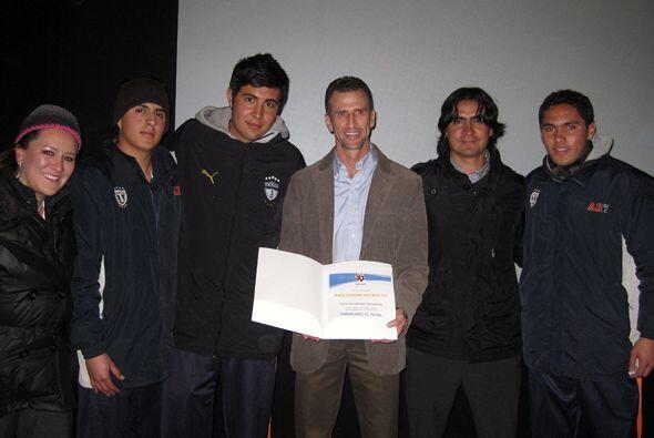 Las clases las dio en la Universidad del Fútbol de esta ciudad.