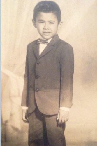Desde niño, Raúl se caracterizó por vestirse bien.