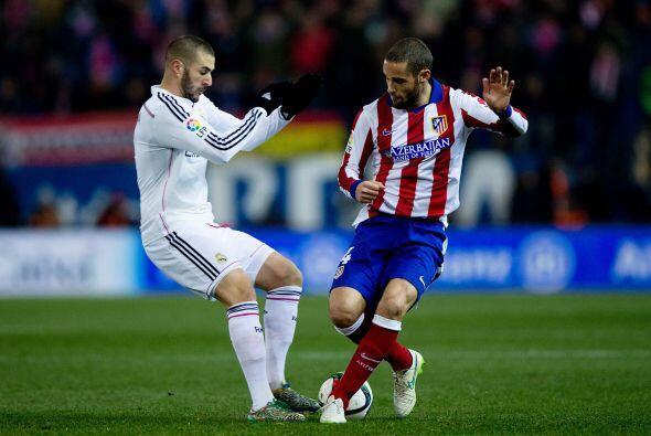 Benzema pasó desapercibido ante una gran marcación en defe...