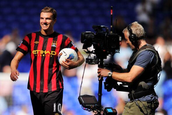 Y no todos los días un futbolista mete cuatro goles, como lo hizo...