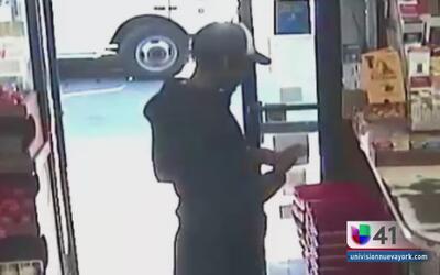 Hombre acosó y agredió a una mujer en Brooklyn
